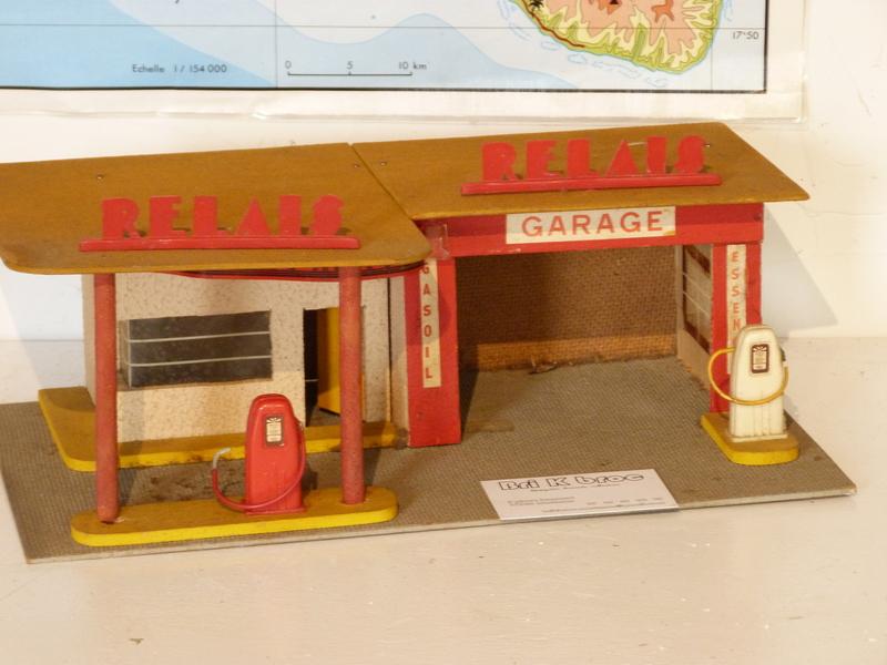 garage jouet ancien jouets jeux. Black Bedroom Furniture Sets. Home Design Ideas